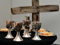 Abendmahlsgottesdienst, anschließend Gebet durch die Nacht