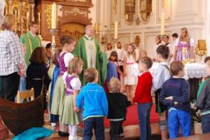 Familiengottesdienst mit Tauferinnerung für die Zweitklässler