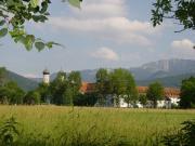 Kloster mit Benediktenwand
